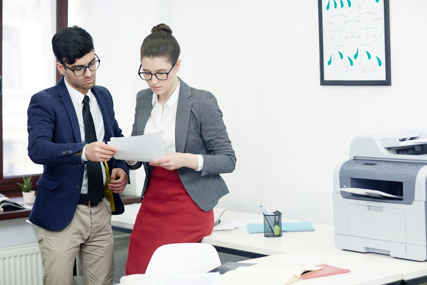 Собирать заявки с сайтов и распределение их по менеджерам